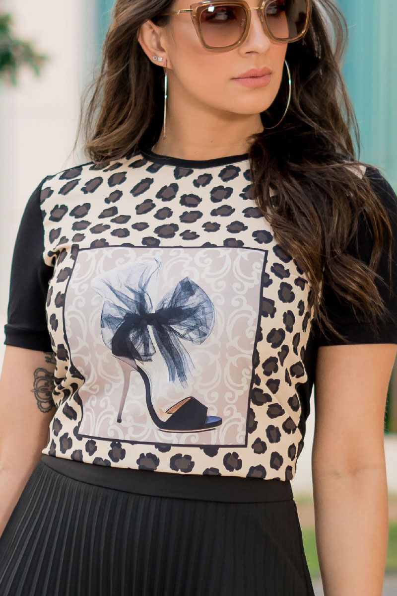 Blusa Feminina T-shirt Luciana Pais Estampada