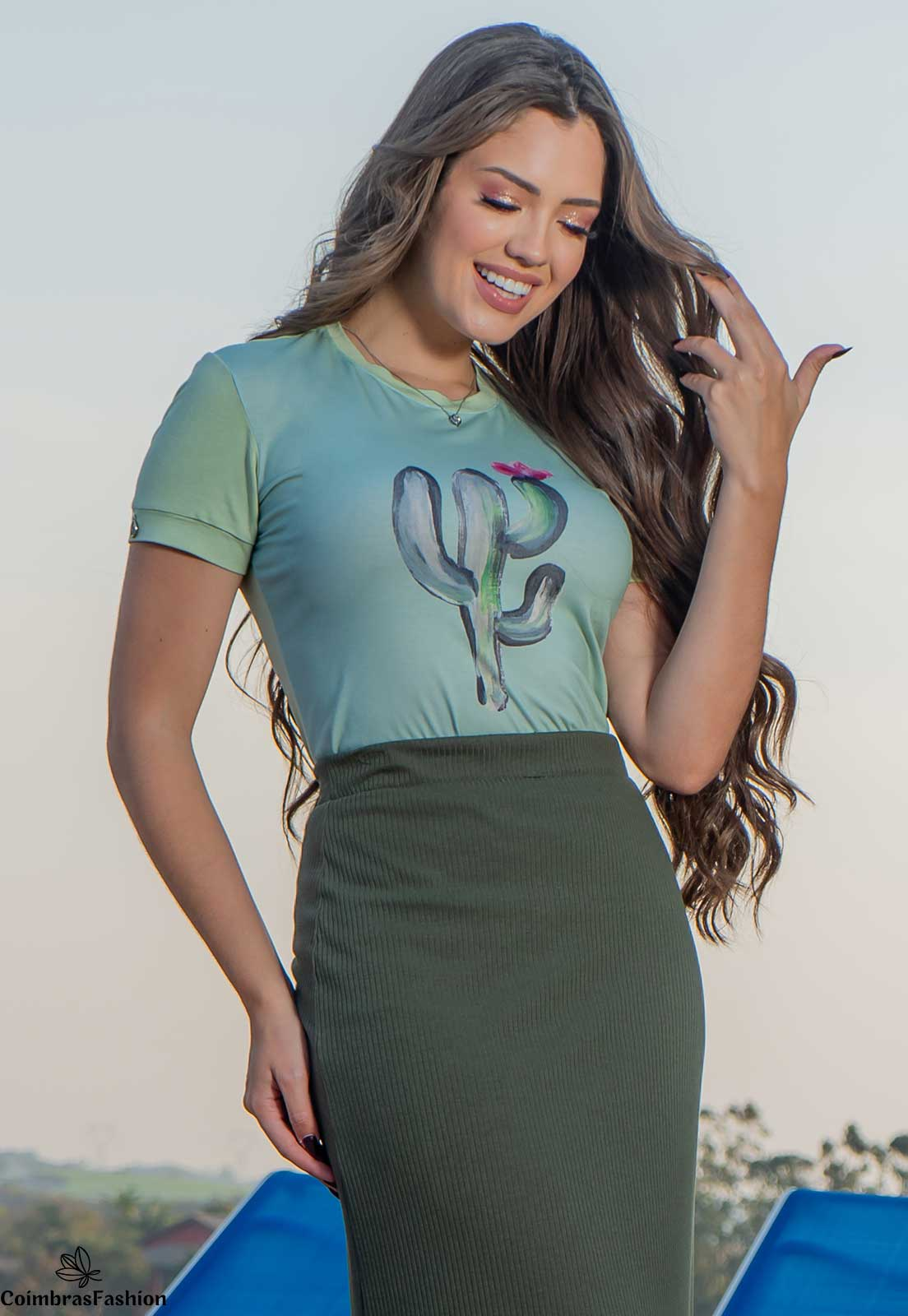 T- shirt em malha com estampa luciana pais