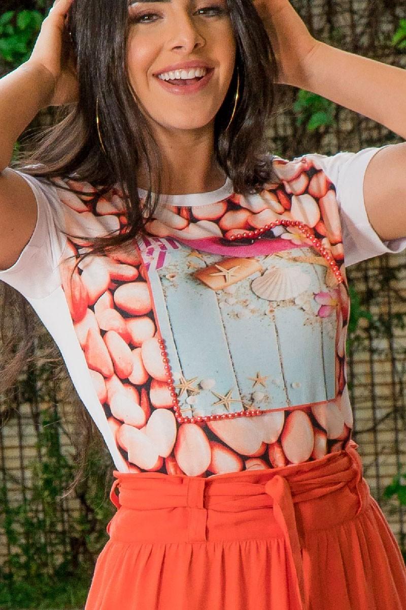 T-shirt Feminina Luciana Pais com Bordado
