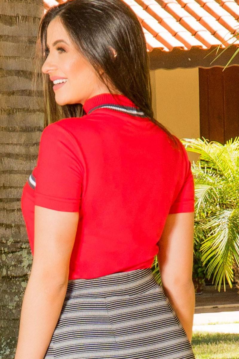 T-shirt Vermelha Gola Alta Bangkok Luciana Pais