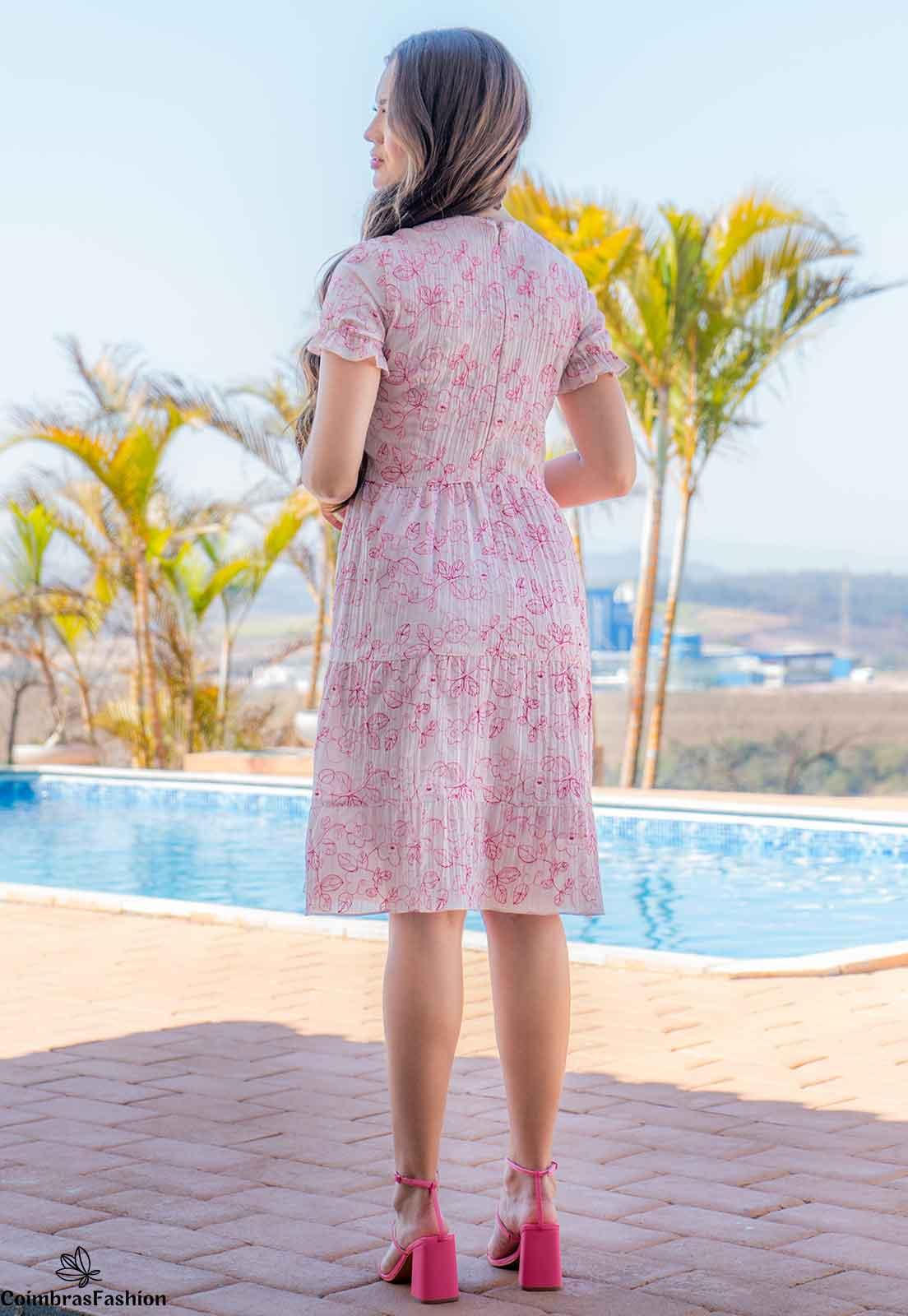 Vestido evasê estampado em chiffon bordado luciana pais