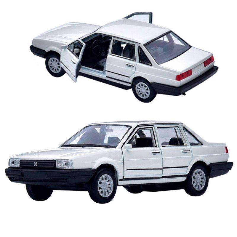 Miniatura Volkswagen Santana 1989 Welly 1/36 Branco