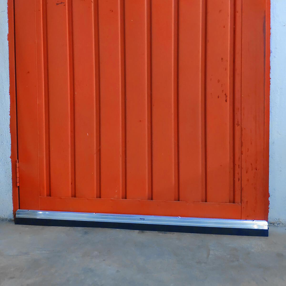 Rodo para Porta em Alumínio com Vedante em Borracha