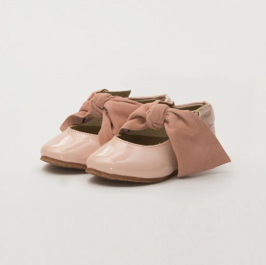 Sapato Verniz Rosa Laço Amoreco