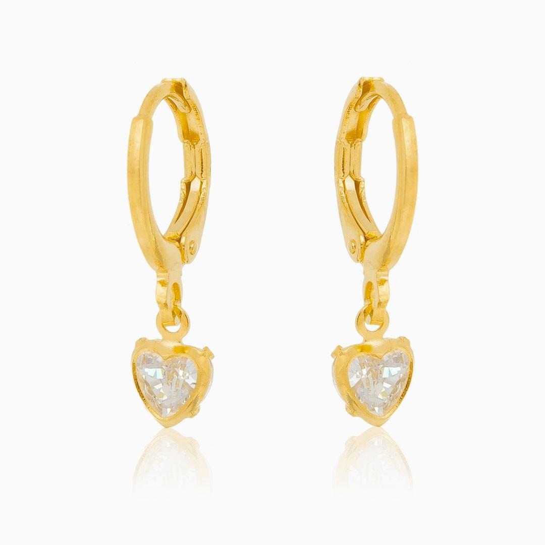 Brinco de argolinha com coração cristal banhado a ouro 18k