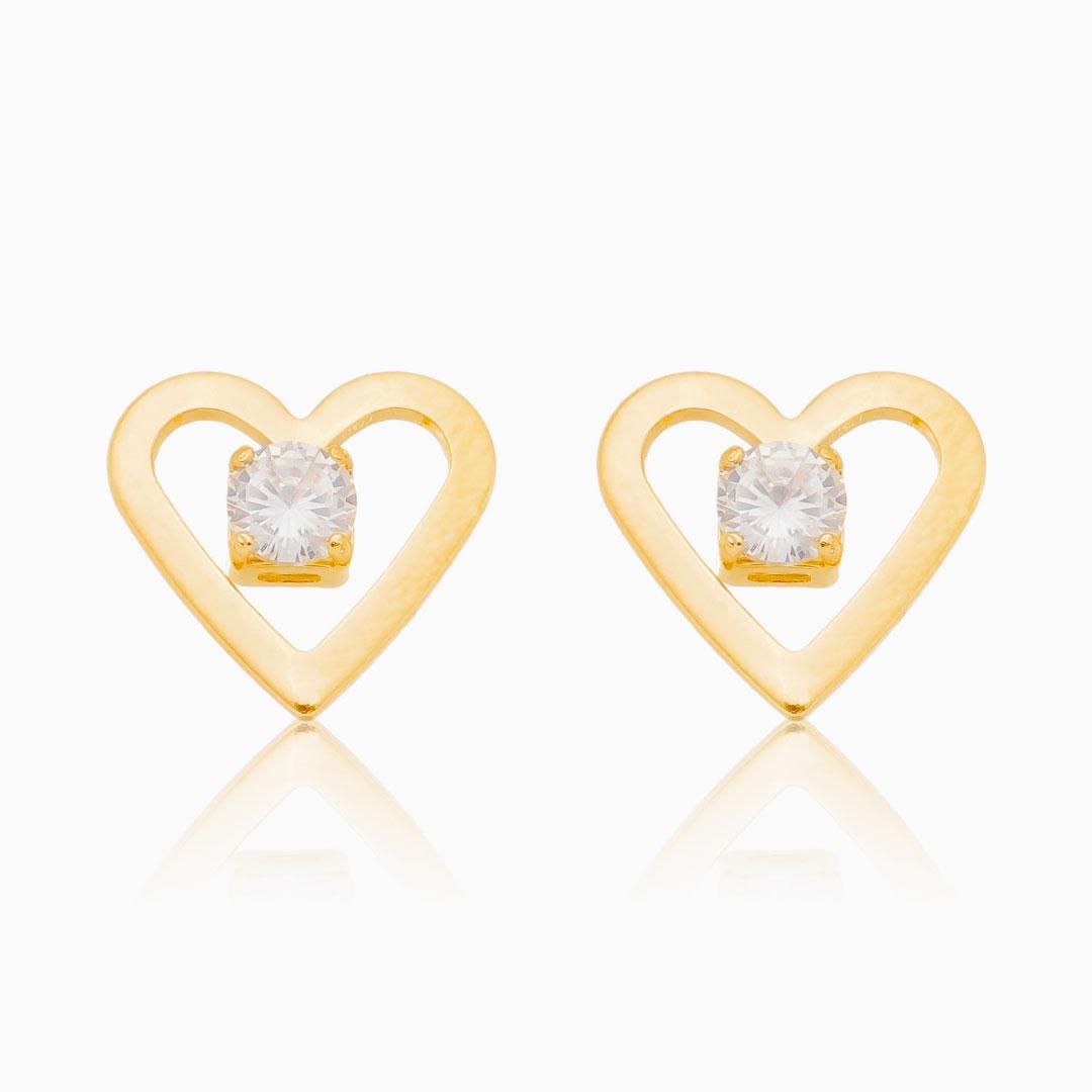 Brinco de coração vazado com ponto de luz banhado a ouro 18k