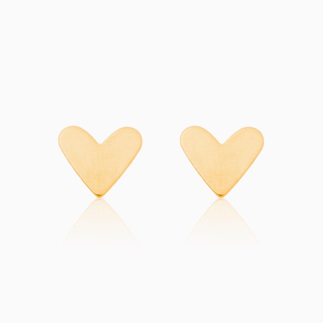 Brinco liso de coração banhado a ouro 18k