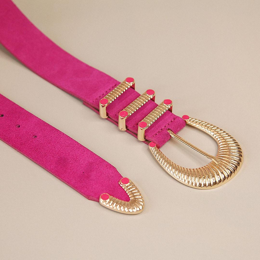 Cinto de couro camurça Maria pink com fivela e ponteira dourada