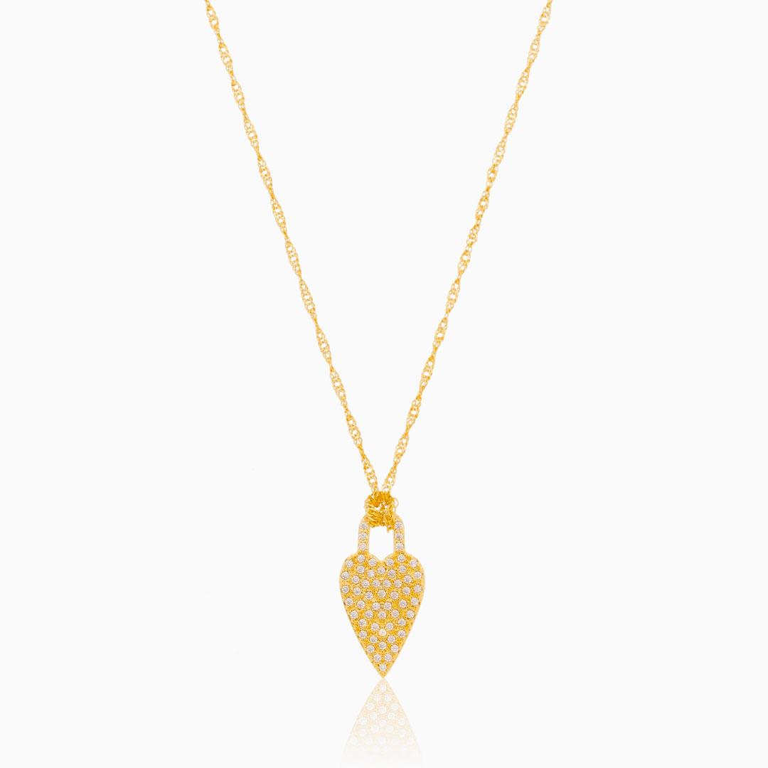 Colar com coração cravejado com zircônia cristal banhado a ouro 18k
