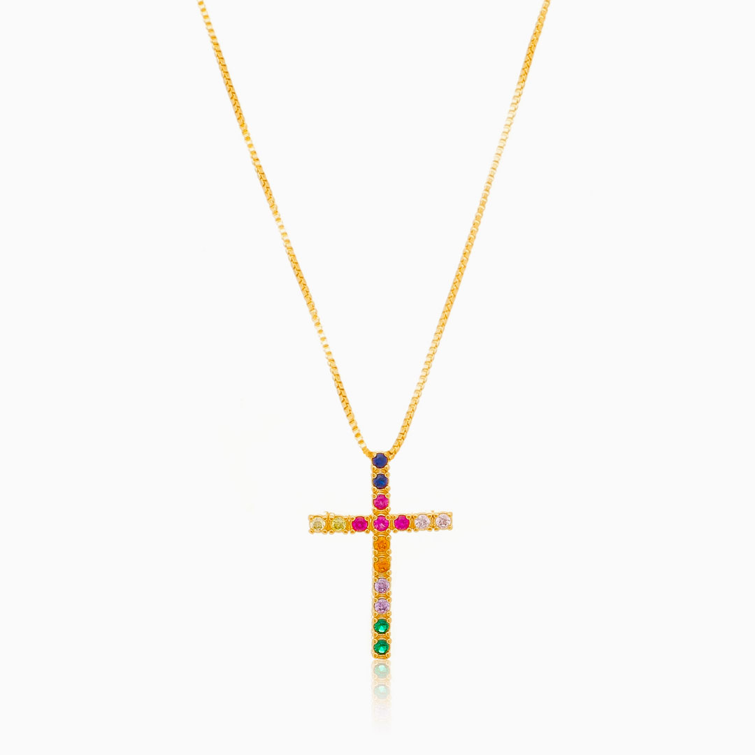 Colar com pingente de cruz banhado a ouro 18k