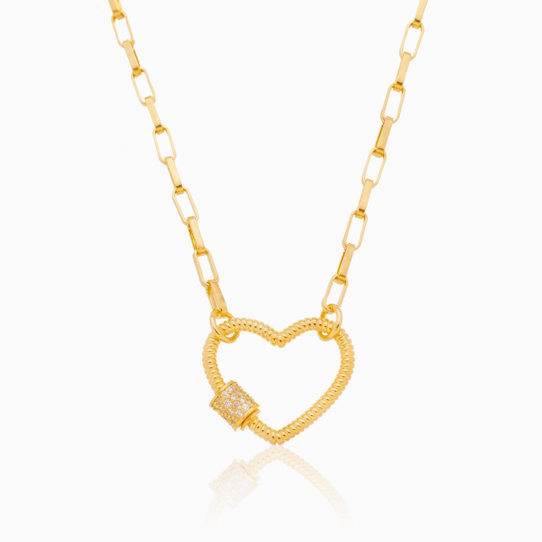 Colar de elos quadrados com coração banhado a ouro 18k