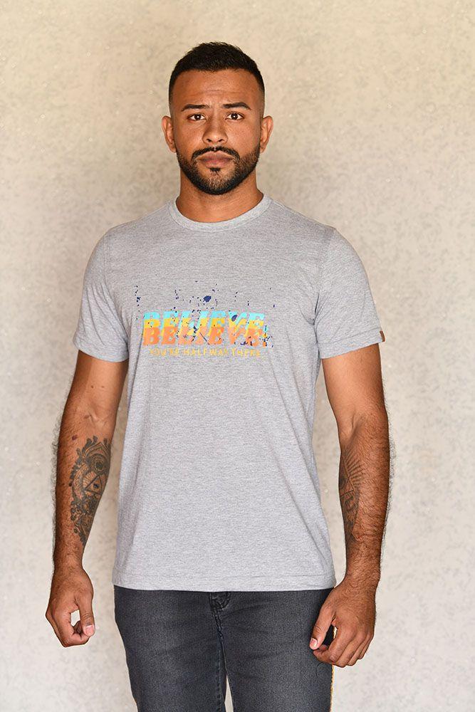 Camiseta Believe Cinza