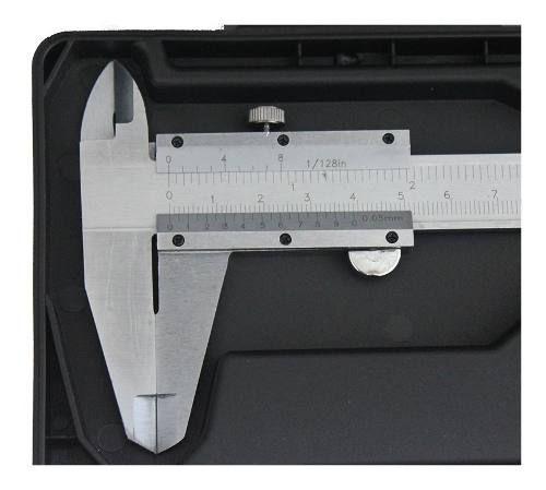"Paquímetro Analógico 200mm Com Estojo 8"" Eda 3ie"