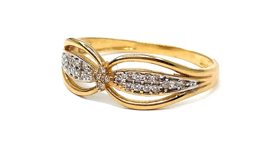 Anel de ouro 18k Borboleta com Pedras