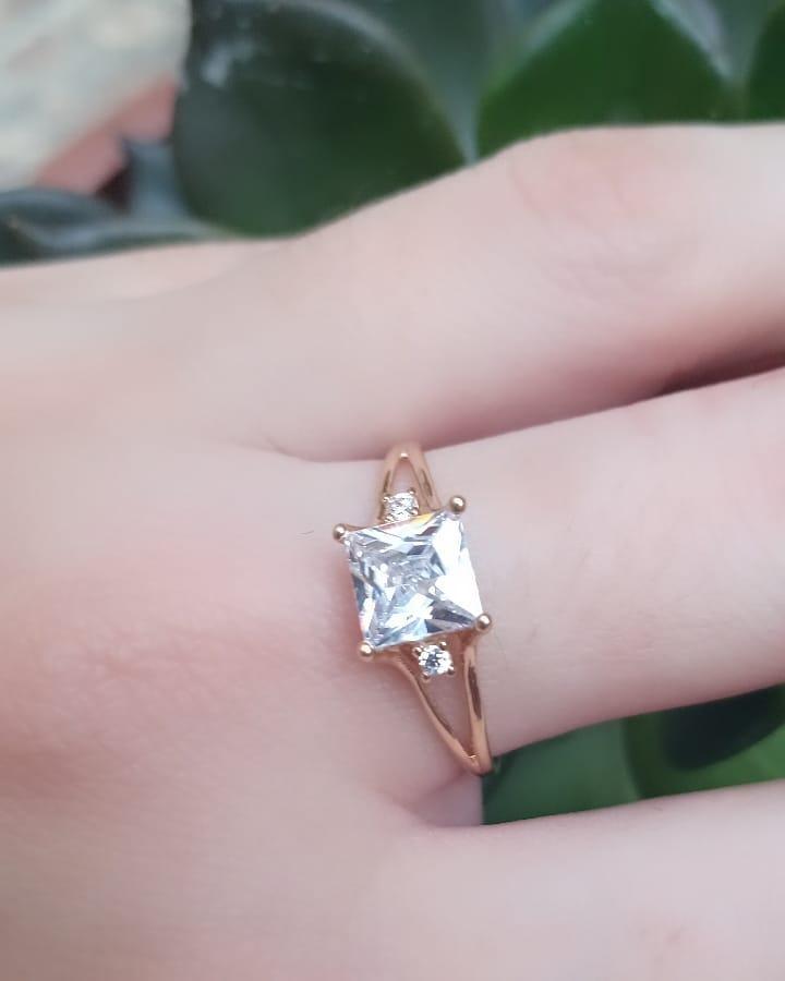 Anel de Ouro 18k Solitário Pedra Quadrada