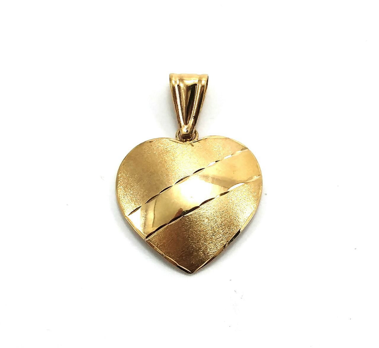 Pingente em ouro 18k coração com faixa