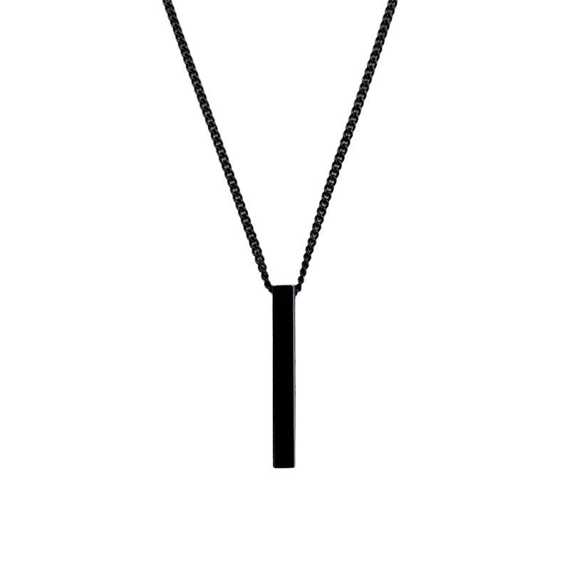 Colar com pingente retangular em aço preto