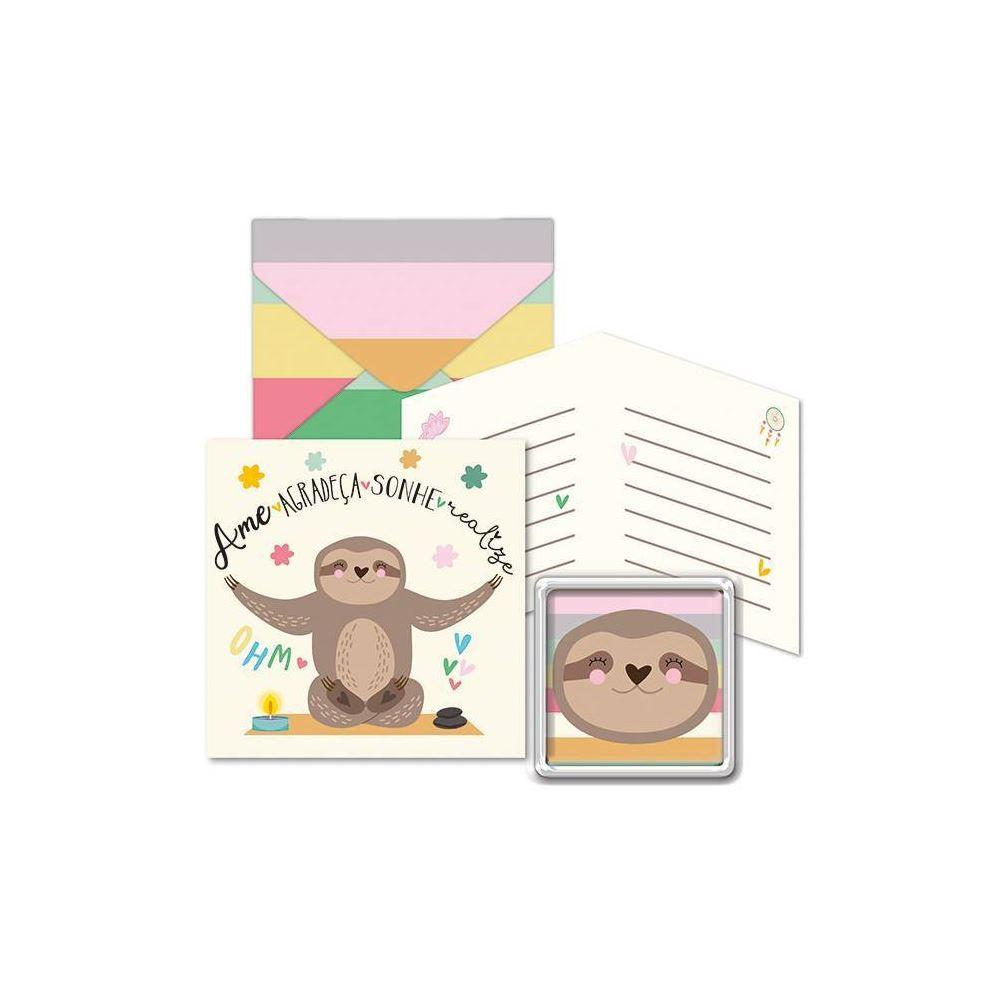Kit com imã e cartão bicho-preguiça