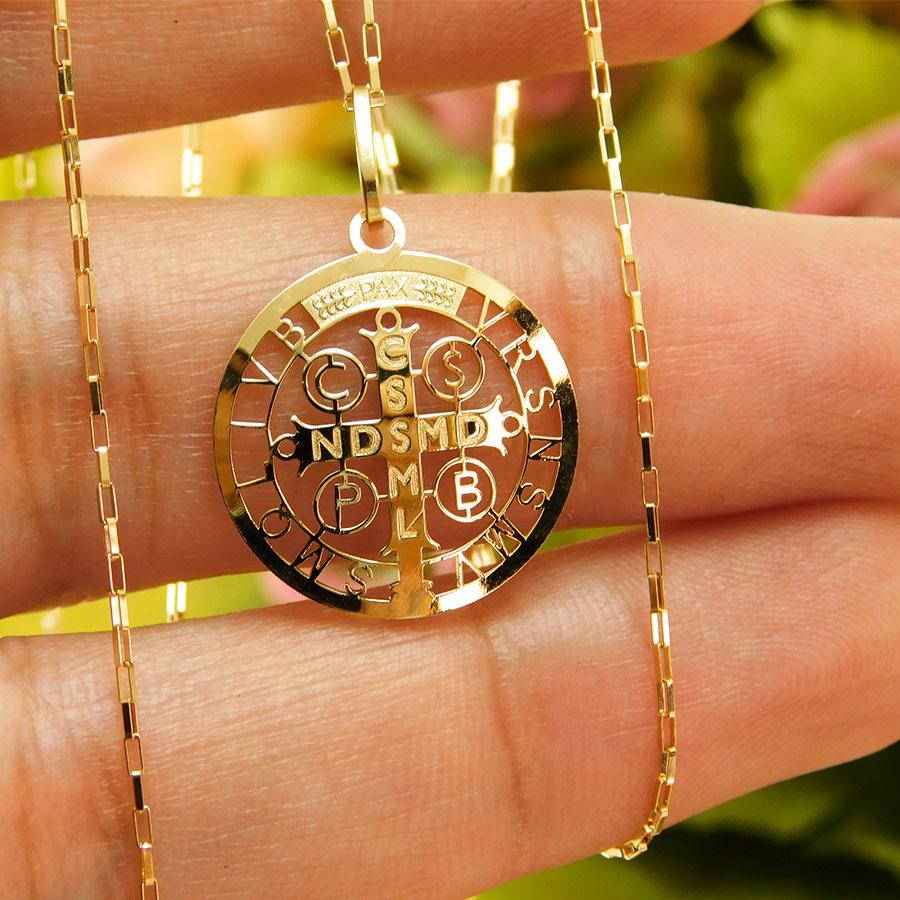 Gargantilha em Ouro 18K Medalha da Cruz de São Bento CPGE20