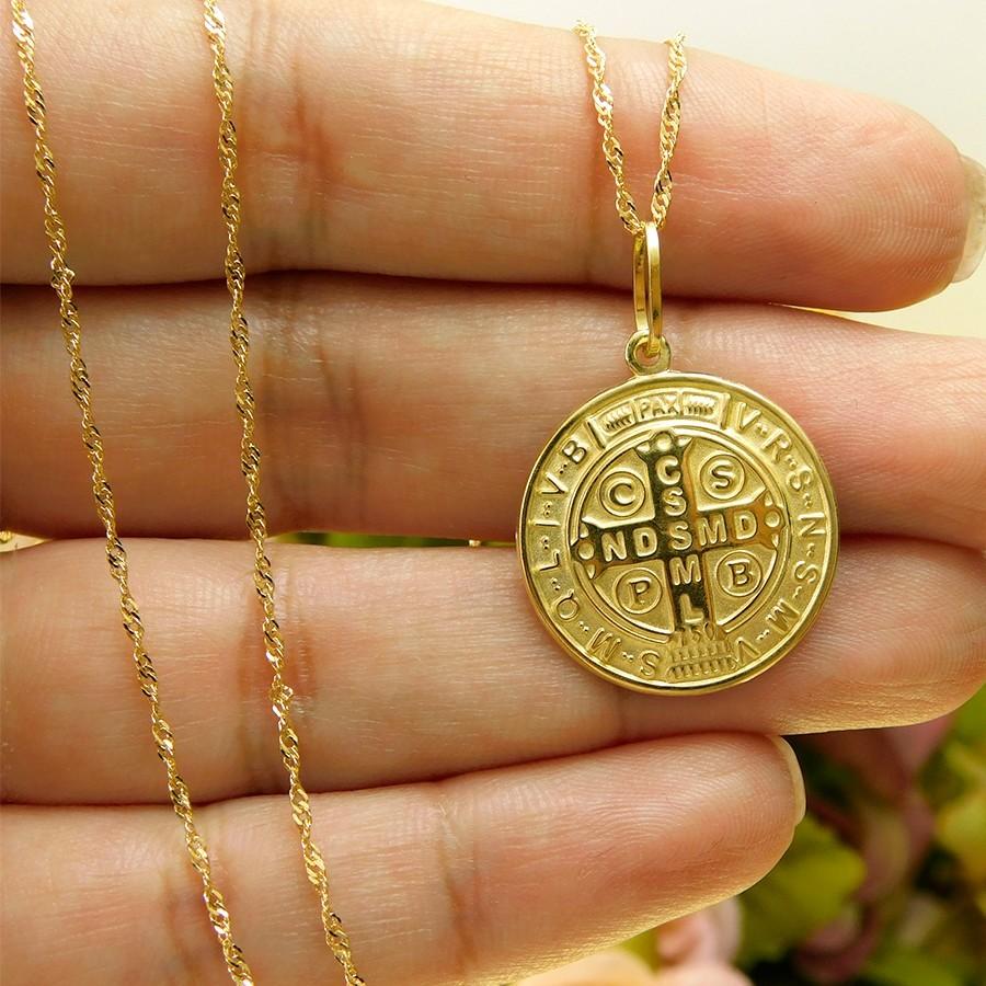 Pingente em Ouro 18K Medalha da Cruz de São Bento DS282