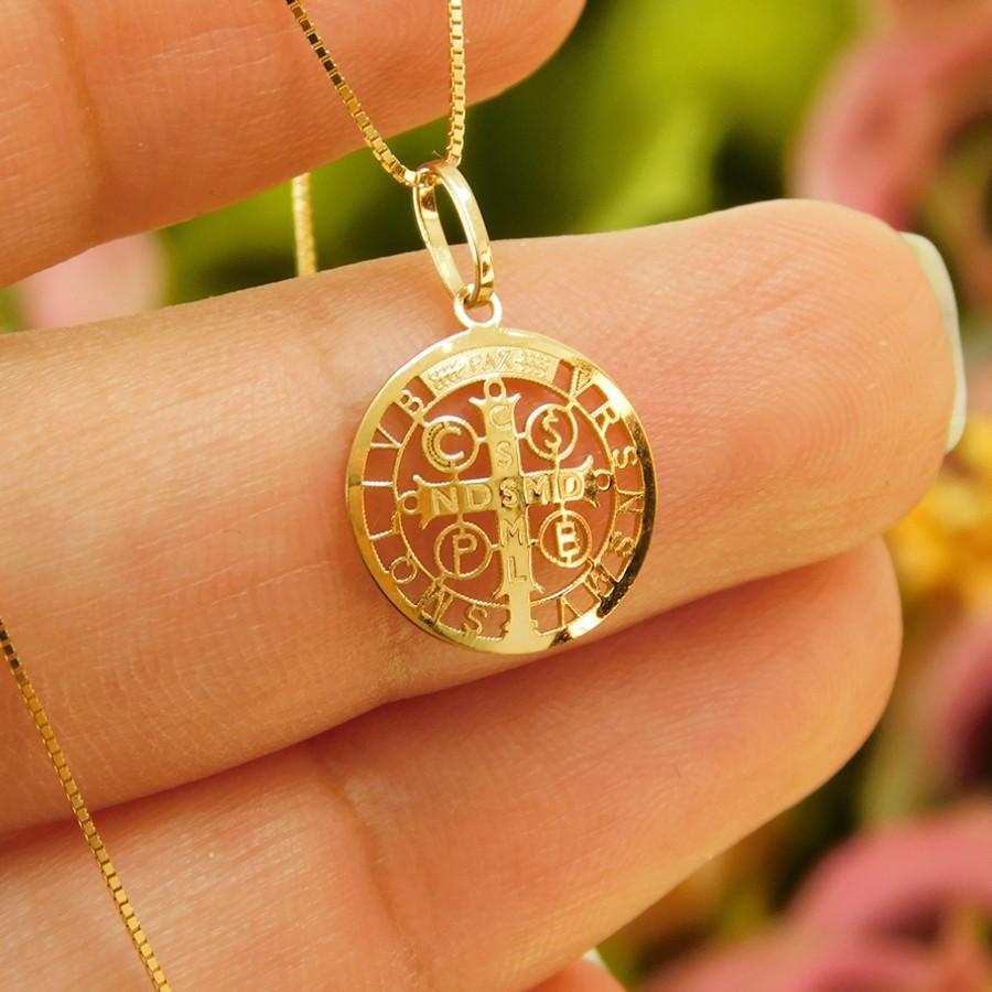 Pingente em Ouro 18K Medalha da Cruz de São Bento PGE116