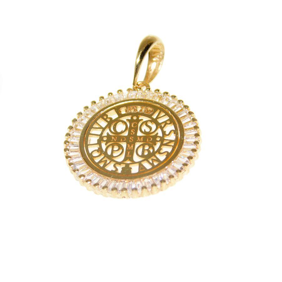 Pingente em Ouro 18K Medalha da Cruz de São Bento PN169Z