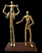 Escultura Familia 3 Pessoas AlumÍnio Dourada