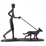 Escultura Homem com Dog em metal