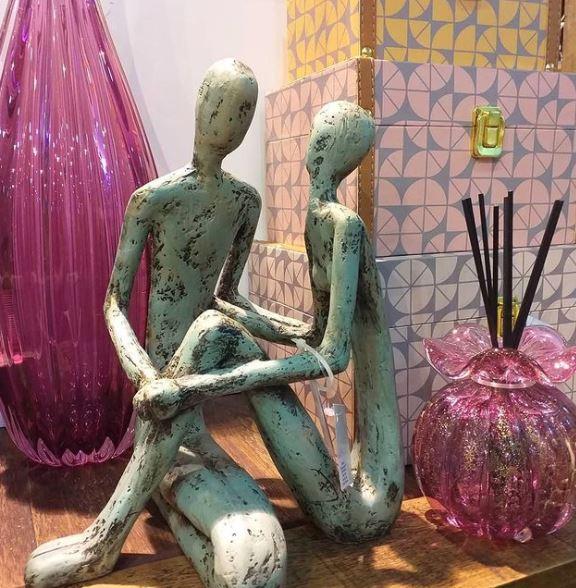 Escultura Cumplicidade Verde Envelhecida