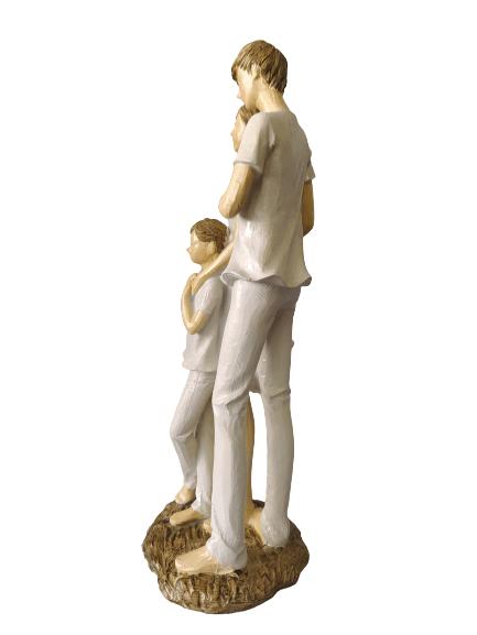 Escultura Pai e Mãe com Filho