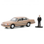 Miniatura Ford Crown Victoria LX 1992 com Homem 1/64 Greenlight