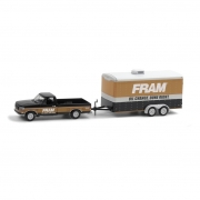 Miniatura Ford F-150 1994 Fram Oil com Trailer Hitch & Tow 1/64 Greenlight