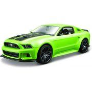 Miniatura Ford Mustang 2014 Street Racer 1/24 Maisto