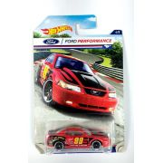 Miniatura Ford Mustang 99 Ford Performance 1/64 Hot Wheels