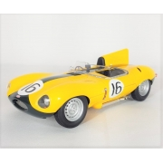 Miniatura Jaguar D-Type Short Nose Le Mans 1957 1/18 CMR
