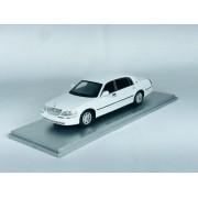 Miniatura Lincoln Town Car 2011 1/43 Luxury