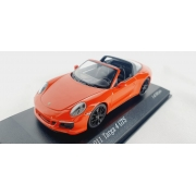 Miniatura Porsche 911 Targa 4 GTS 1/43 Minichamps
