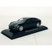 Miniatura Porsche Panamera 4 1/43 Herpa