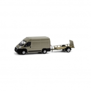 Miniatura Van Ram 2500 Cargo com Carretinha Hitch & Tow 1/64 Greenlight