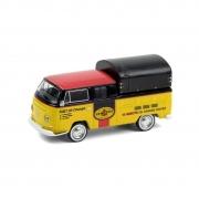 Miniatura Volkswagen Kombi 1968 Doka Pennzoil Oil Shop 1/64 Greenlight