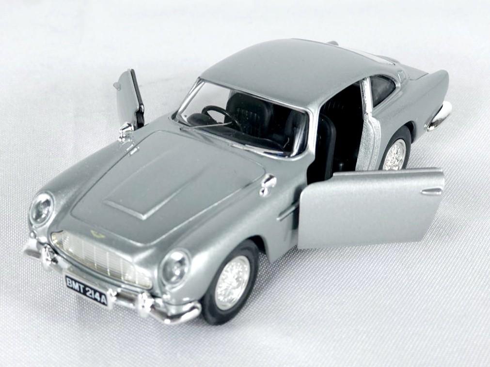 Miniatura Aston Martin DB5 007 Goldeneye 1/36 Corgi
