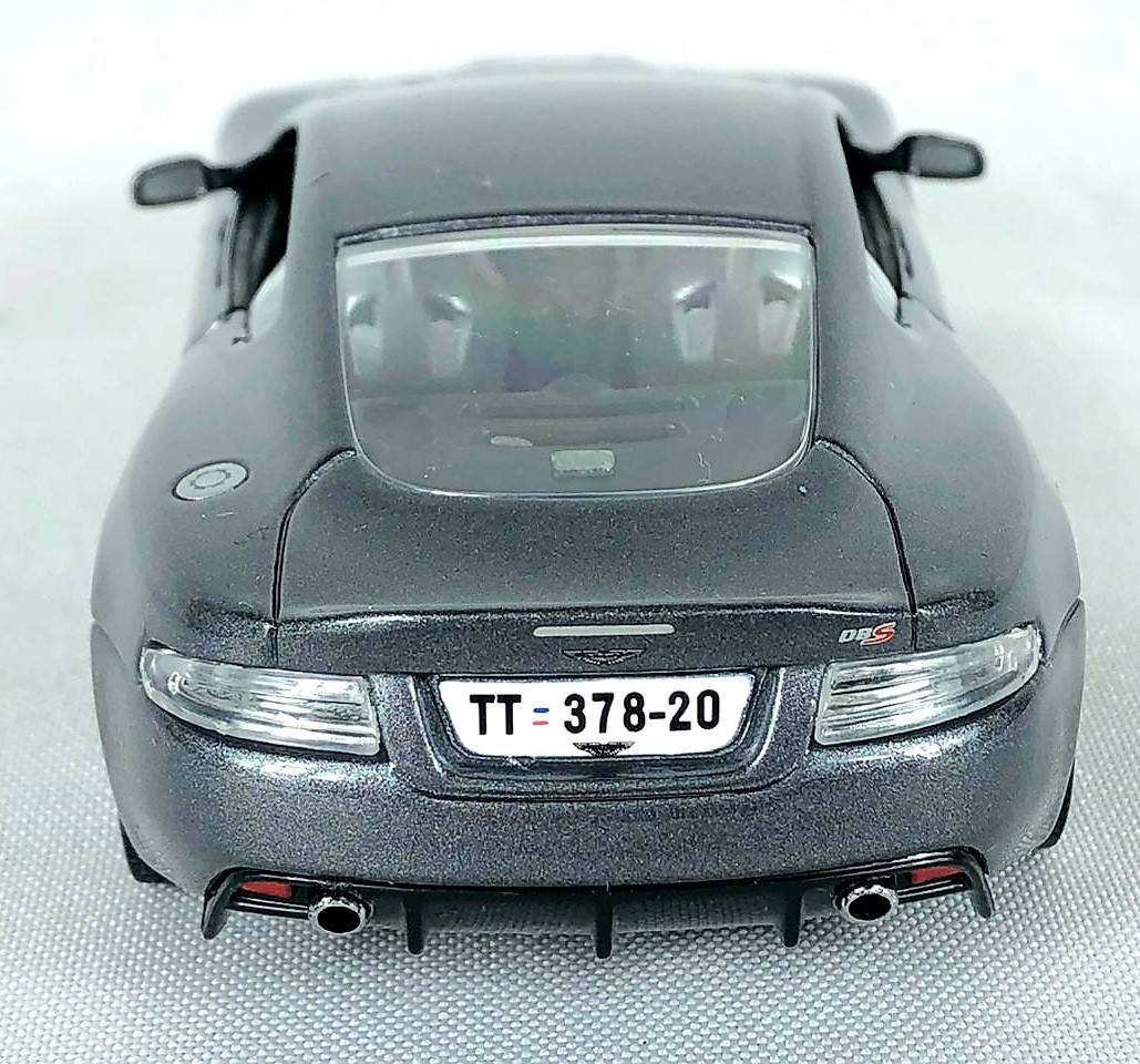 Miniatura Aston Martin DBS 007 James Bond Cassino Royale 1/36 Corgi