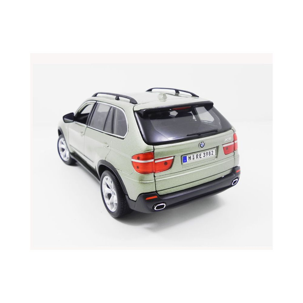 Miniatura BMW X5 1999 1/18 Bburago
