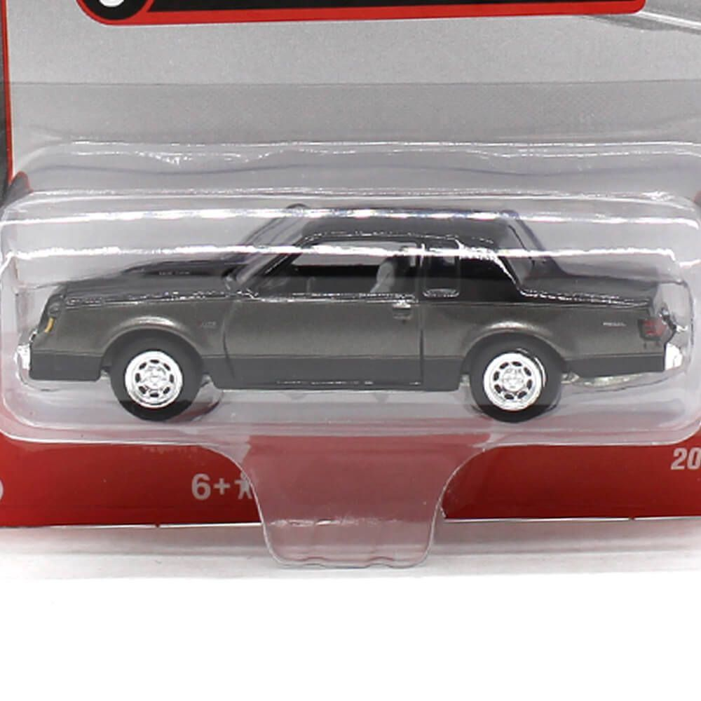 Miniatura Buick Regal T-Type 1986 A 1/64 Racing Champions