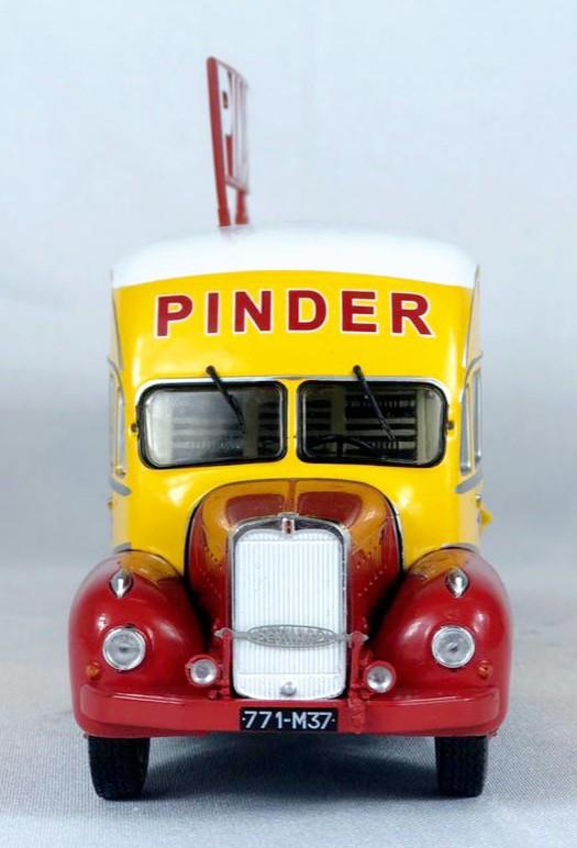 Miniatura Caminhão Bernard 28 Electrical Pinder Circus 1/43 Direkt Collections