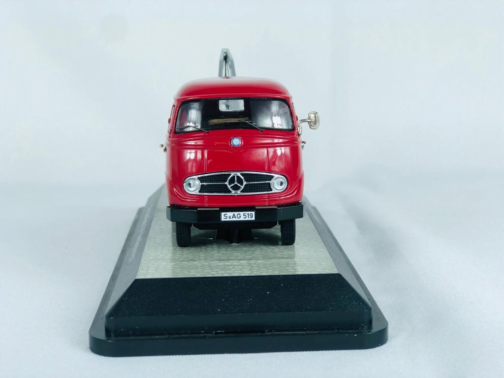 Miniatura Caminhão Mercedes Benz  L319 Isetta Service 1/43 Premium Classixxs