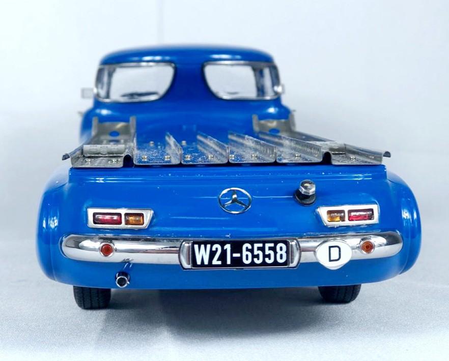 Miniatura Caminhão Mercedes Benz Renntransporter 1/18 Iscale