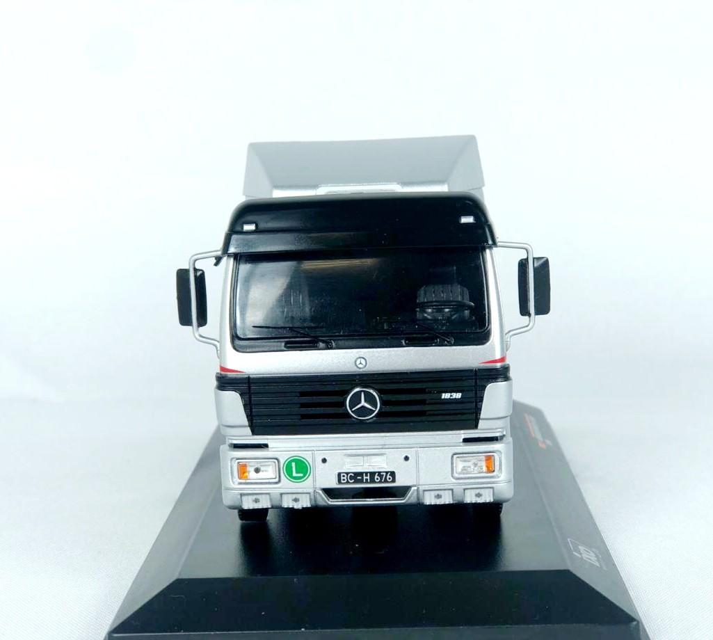 Miniatura Caminhão Mercedes Benz SK II 1994 1/43 Ixo
