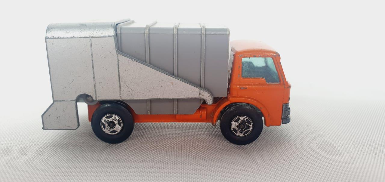 Miniatura Caminhão Refuse Truck N°7 1/64 Matchbox