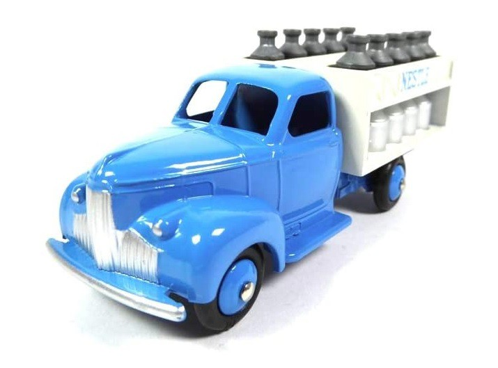 Miniatura Caminhão Studebaker  Nestle  1/43 Dinky Toys